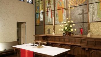 View Slide :: First Lutheran Church Sacristy
